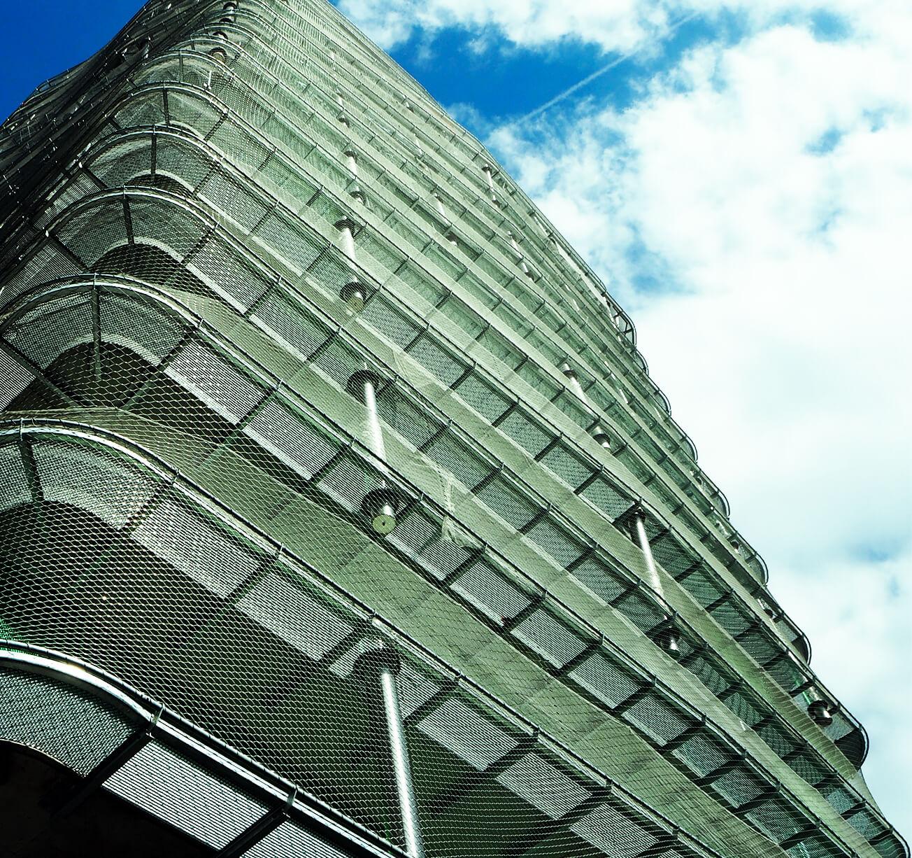 Immeuble disposant de filet inox pour une meilleure sécurité